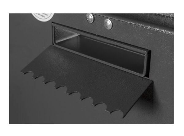 F2-Einwurfschlitz_002551-60500_Detail